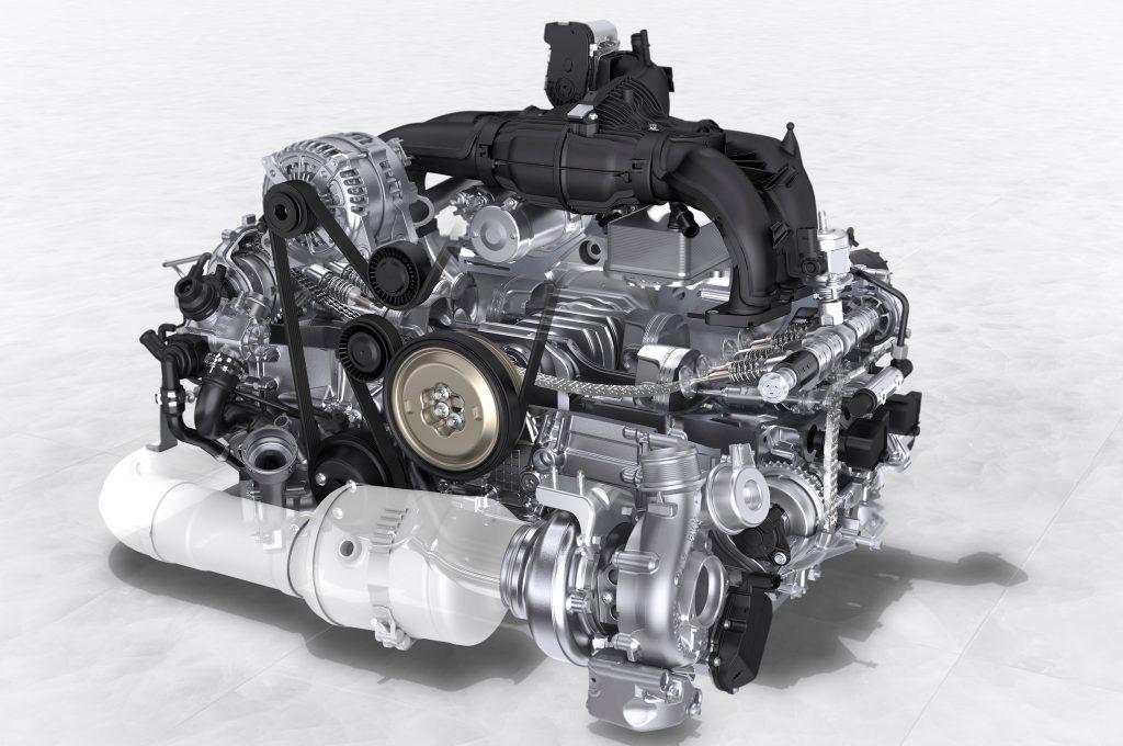 По утверждению разработчиков, средний расход у нового Porsche 718 составляет около 7 л немецкого 95-го бензина на 100 км