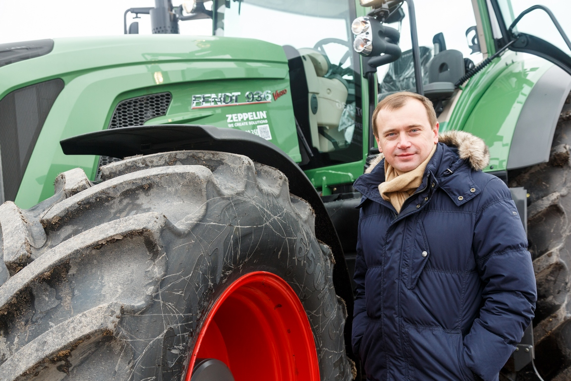 Первый опыт управления сельхозтехникой Алекс Лисситса получил во время учебы, сейчас навыки пригодились
