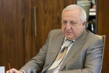 Шевки Аджунер подчеркивает, что проект, на который привлекаются средства, должен быть жизнеспособным