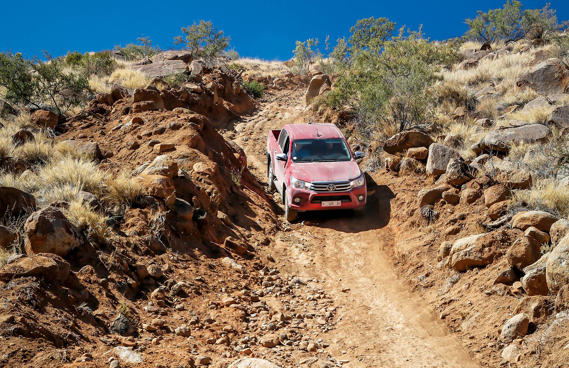 ...и прекрасно подходит для покорения экстремальных песчаных дюн Намибии