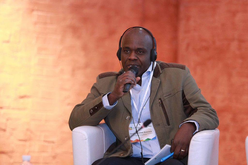 Огора Кеннеди Анахинга, главный сельскохозяйственный сотрудник Министерства сельского хозяйства Кении